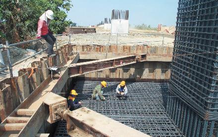 대만 고속철도_Bored Pile 완료 후 교각 시공을 위한 철근조립 작업