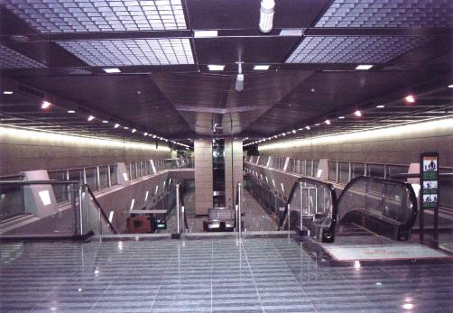 싱가포르 북동선_시공 완료된 Hougang station 내부전경